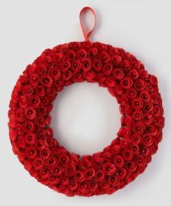 red-wood-chip-wreath